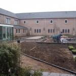 binnentuin klooster inplant en vijver